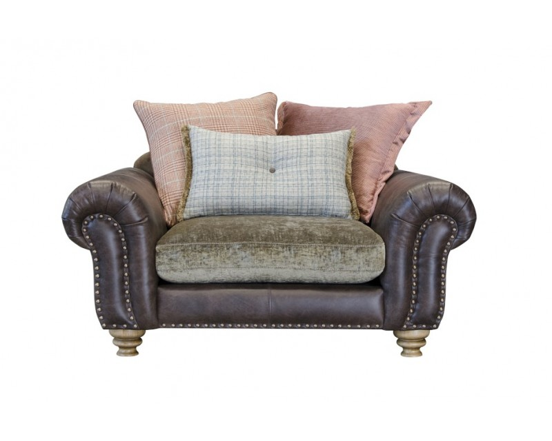 Beaconsfield Snuggle Chair
