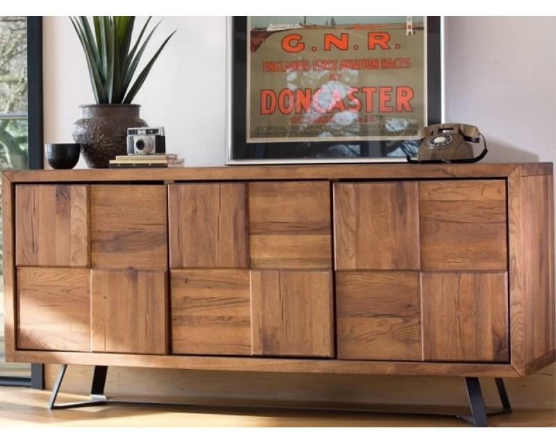 Saka Wide Sideboard in Oak